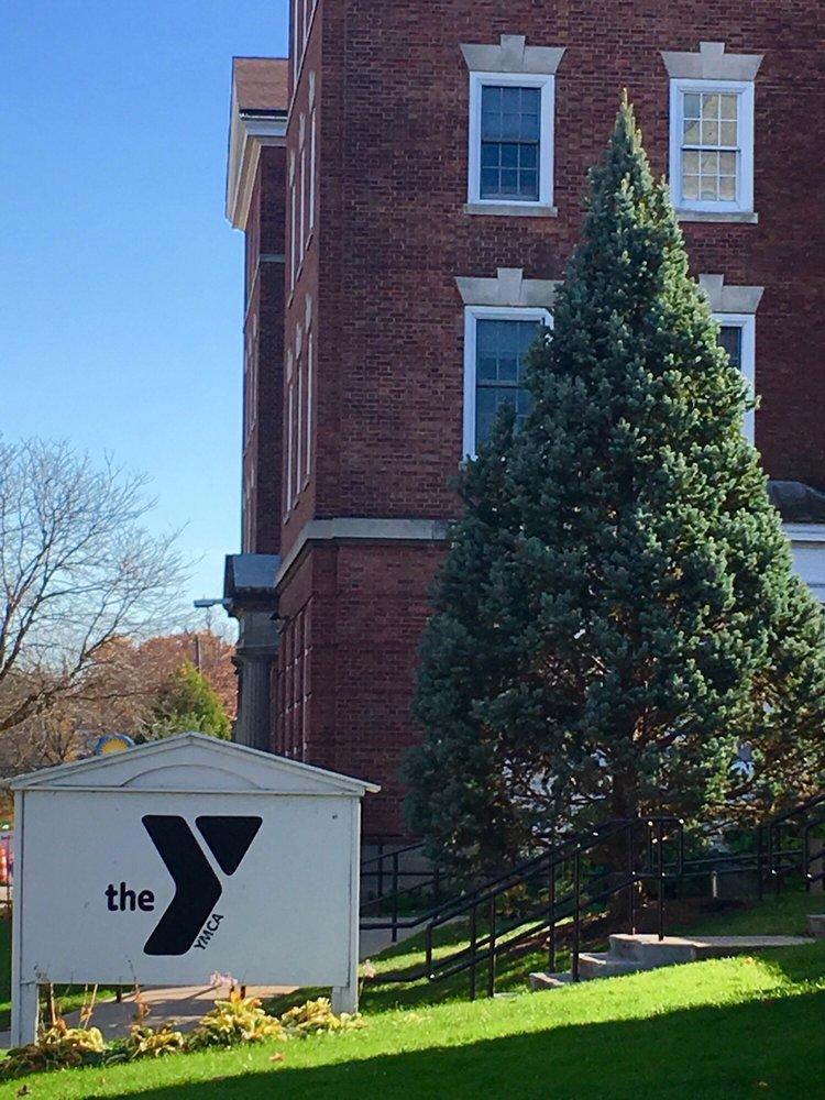 Auburn YMCA-WEIU: 27 William St, Auburn, NY