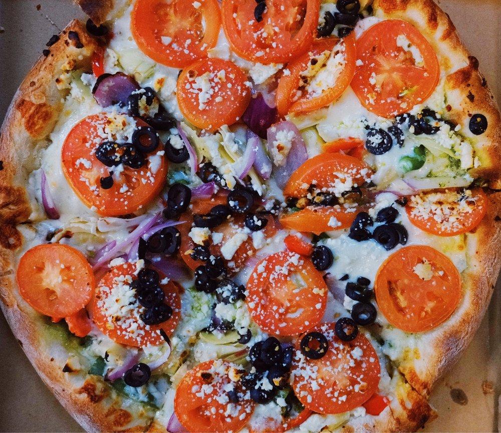 Sabrosa Pizza