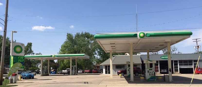Jensen's BP Amoco: 400 E Mazon Ave, Dwight, IL
