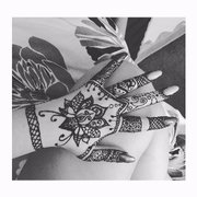 b92f7df222a78 Natural henna always stains Photo of Henna Caravan - Camarillo, CA, United  States. A simple freehand sketch ...