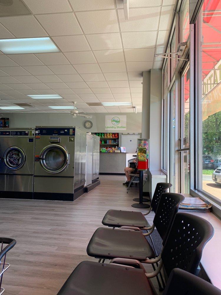 Laundry Station: 2250 Huntington Ave, Alexandria, VA