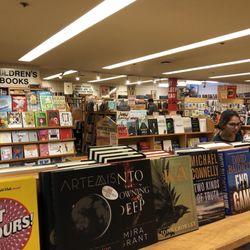 Moe's Books - 120 Photos & 392 Reviews - Bookstores - 2476