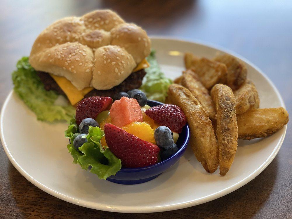 Main Street Cafe: 903 N Main St, San Angelo, TX