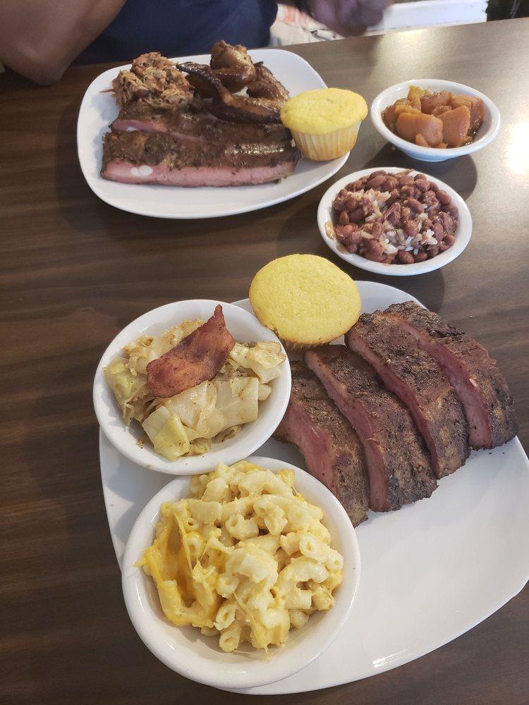 Big Bad W Pit BBQ: 3249 Jefferson Davis Hwy, Stafford, VA