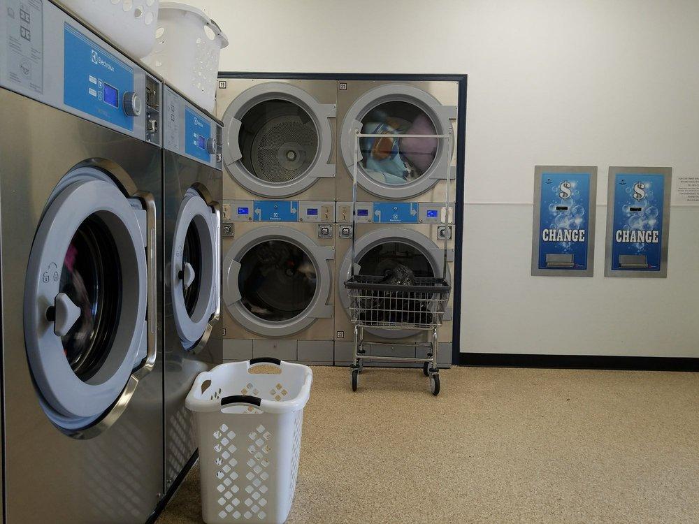 Presco Laundry: 1717 W Florida Ave, Hemet, CA