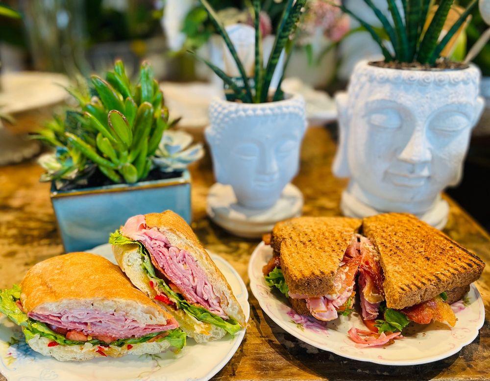 Red Cedar Cafe: 140 Winslow Way W, Bainbridge Island, WA