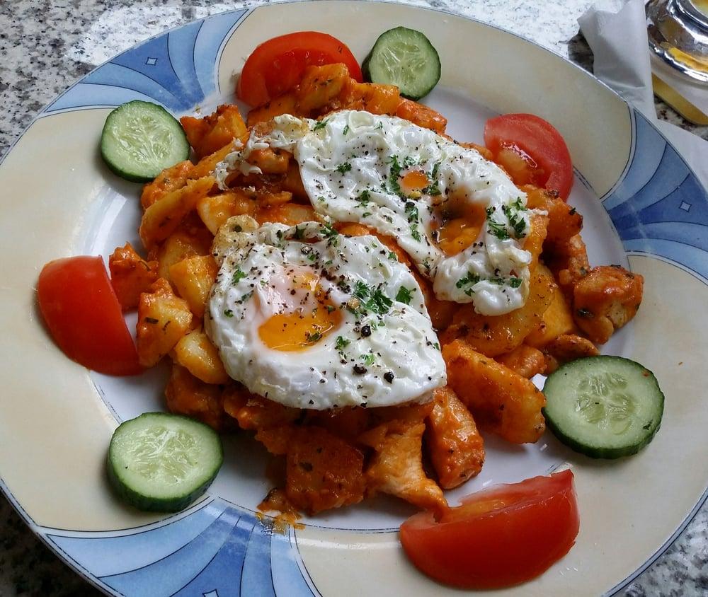 H hnchenpfanne mit kartoffeln und spiegeleiern yelp for Elektriker offenbach