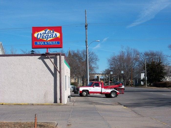 La Movida Bar & Grill: 316 E 2nd St, Grand Island, NE