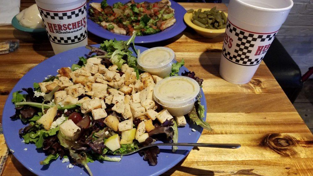 Herschel's Family Restaurant: 1612 S Jefferson Ave, Mount Pleasant, TX