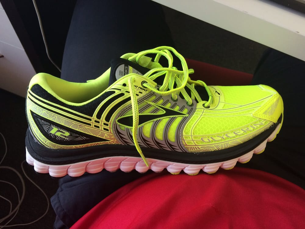 Fleet Feet Sports - 24 Reviews - Shoe Stores - 9525 Kenwood Rd, Cincinnati,  OH - Phone Number - Yelp