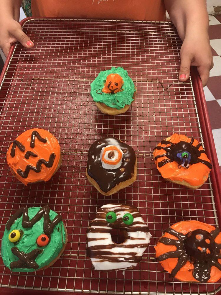 The Donut Palace: 11258 Hwy 12, Orange, TX