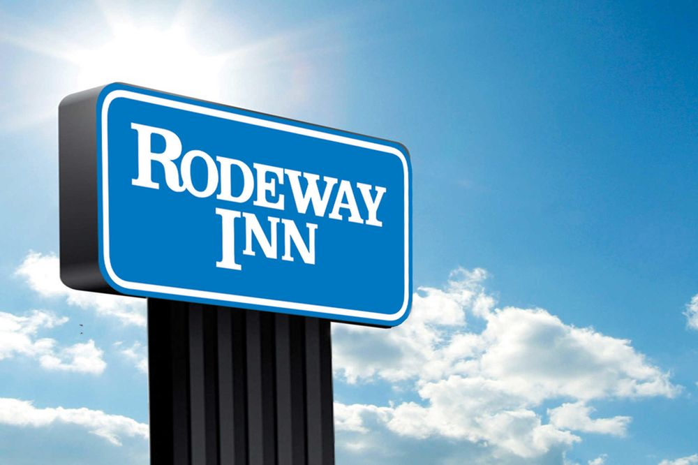 Rodeway Inn: 1109 Hwy 20 South, Devils Lake, ND