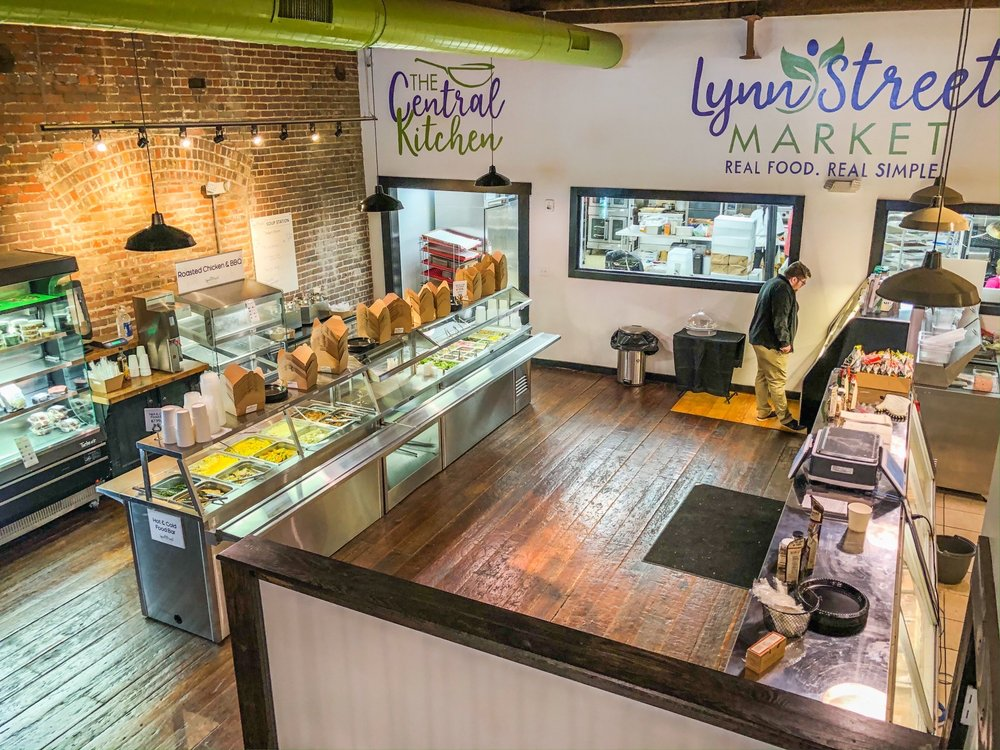 Lynn Street Market: 315 Lynn St, Danville, VA