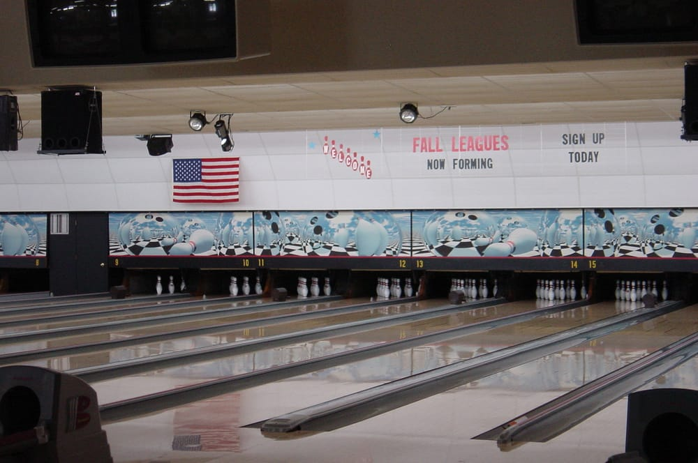 Northern Aire Bowling Lanes: 1419 College Way, Fergus Falls, MN