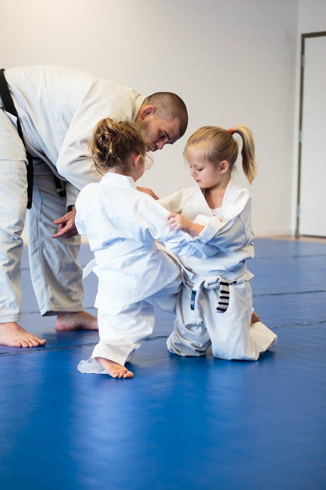 Royce Gracie Jiu-Jitsu: 110 N John St, Goldsboro, NC