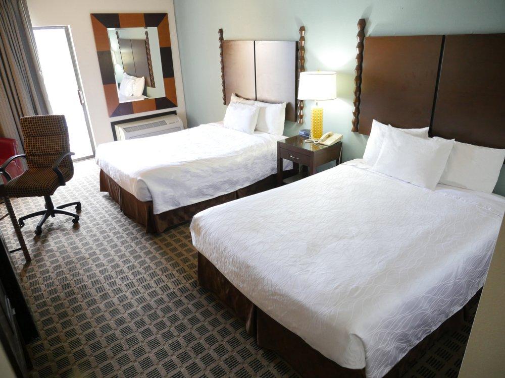 Inn At Grand Glaize: 5142 Osage Beach Pkwy, Osage Beach, MO