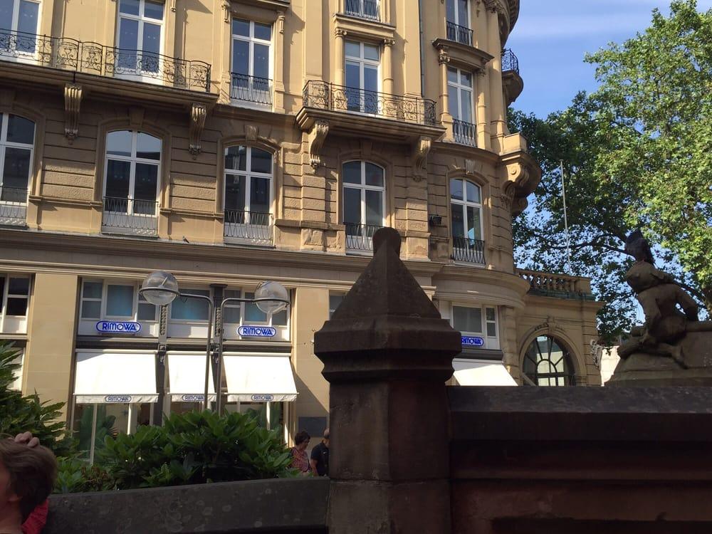 rimowa flagshipstore 14 fotos taschen koffer am hof 3 martinsviertel k ln nordrhein. Black Bedroom Furniture Sets. Home Design Ideas