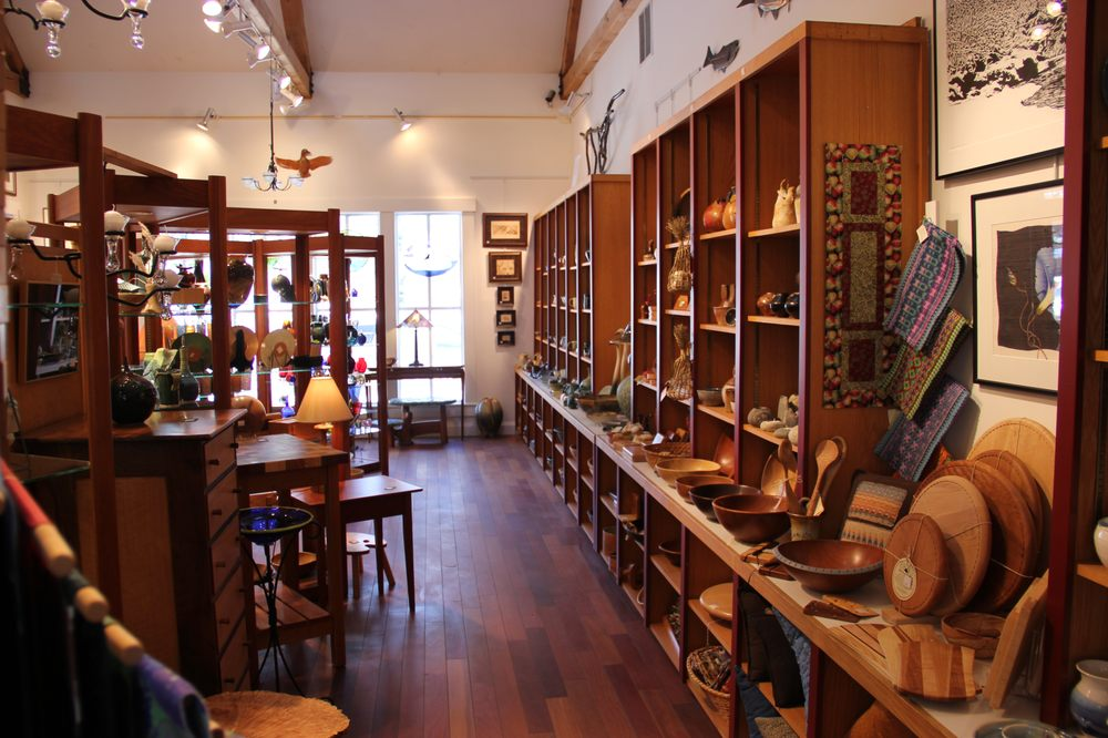 League of NH Craftsmen: 2526 White Mountain Hwy, North Conway, NH