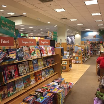 Barnes Noble Booksellers 28 Photos 34 Reviews Bookstores 11820 Pines Blvd Pembroke