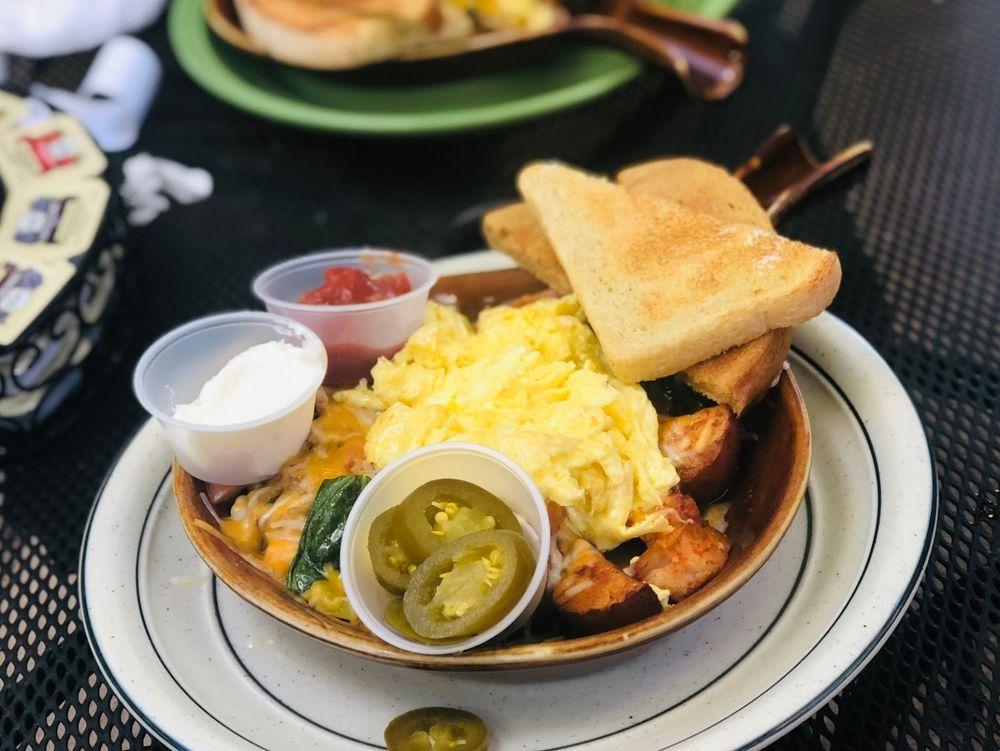Main Street Cafe: 138 S Main St, Hurricane, UT