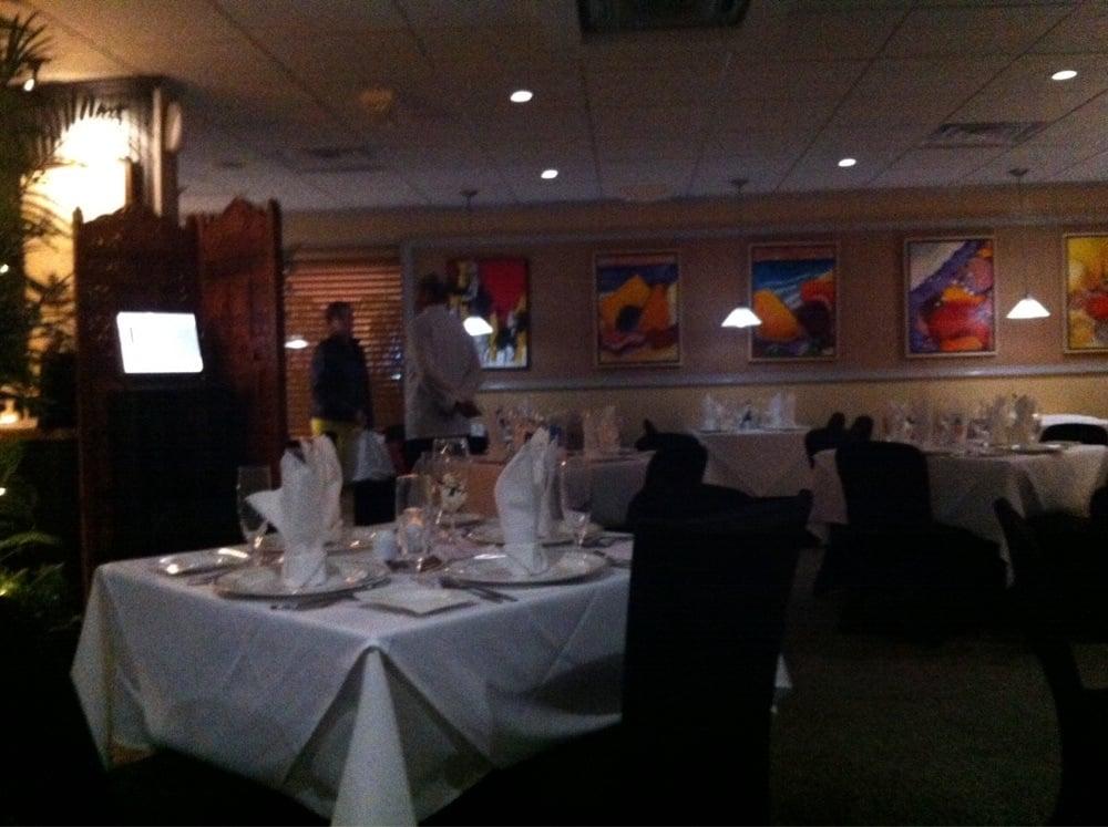 Restaurant Two Thirteen: 213 N Fruitland Blvd, Fruitland, MD