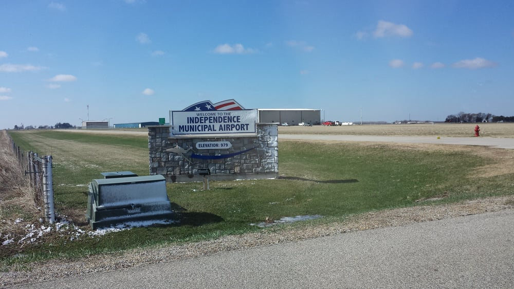 Independence Municipal Airport: 1684 230th St, Independence, IA