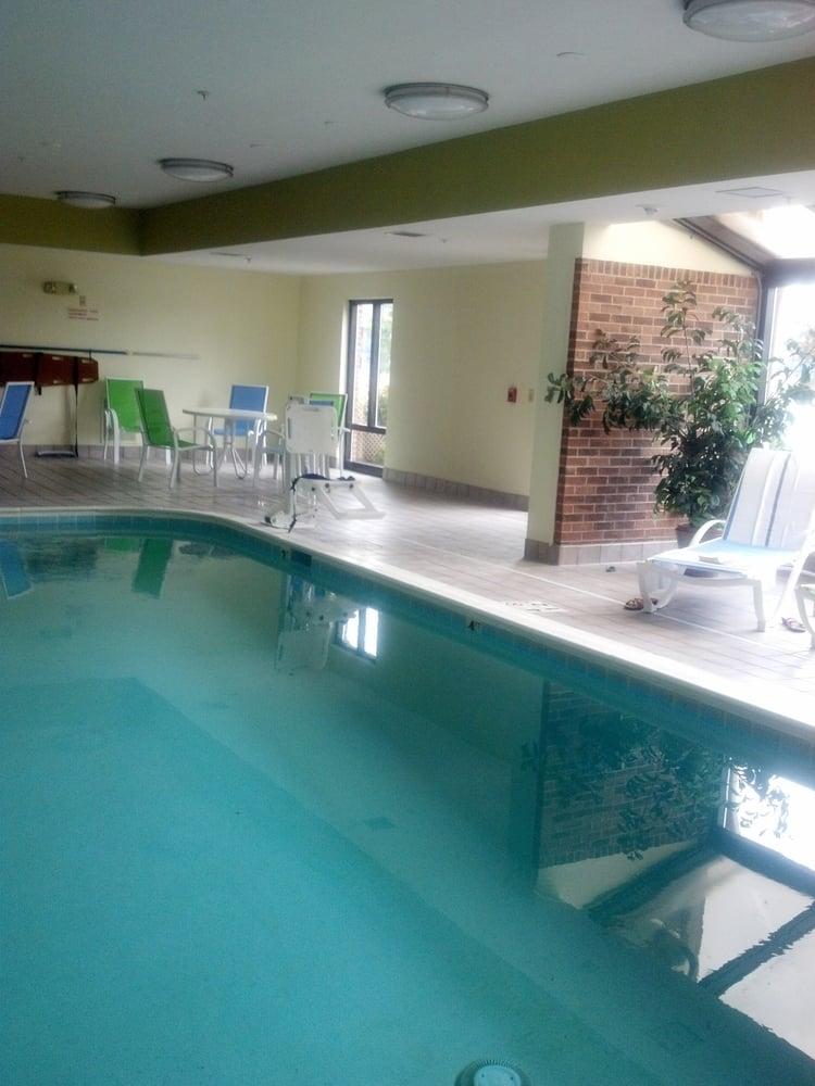 Holiday Inn Express & Suites Dayton West - Brookville: 95 N Parkview Dr, Brookville, OH