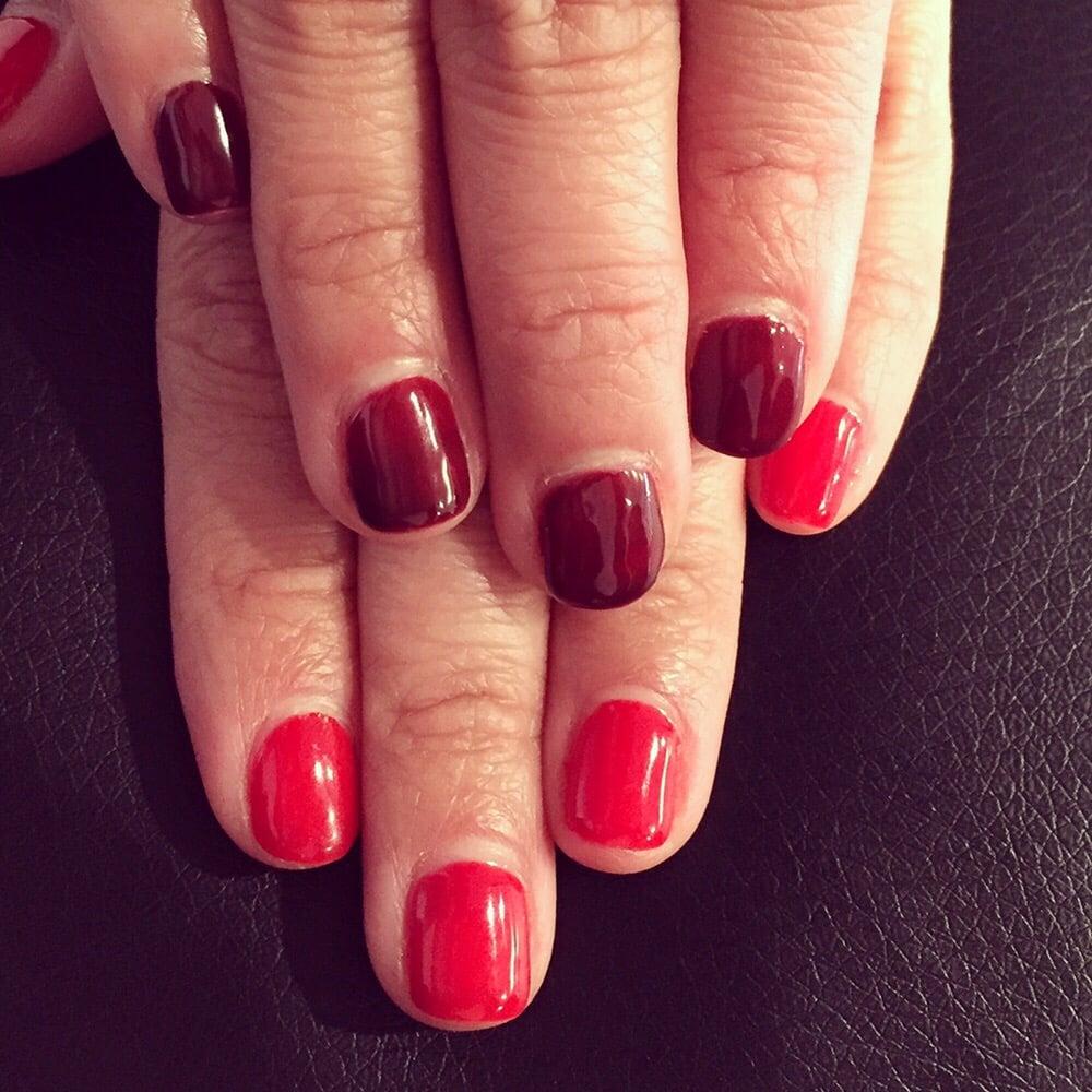 Le Nail Spa: Mood Gel. Red Turn To Dark Red .!