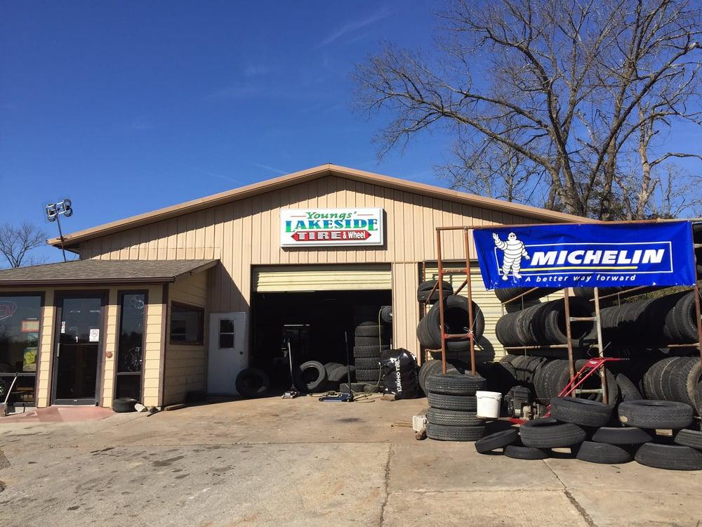 Lakeside Tire & Wheel: 947 E State Hwy 76, Branson, MO