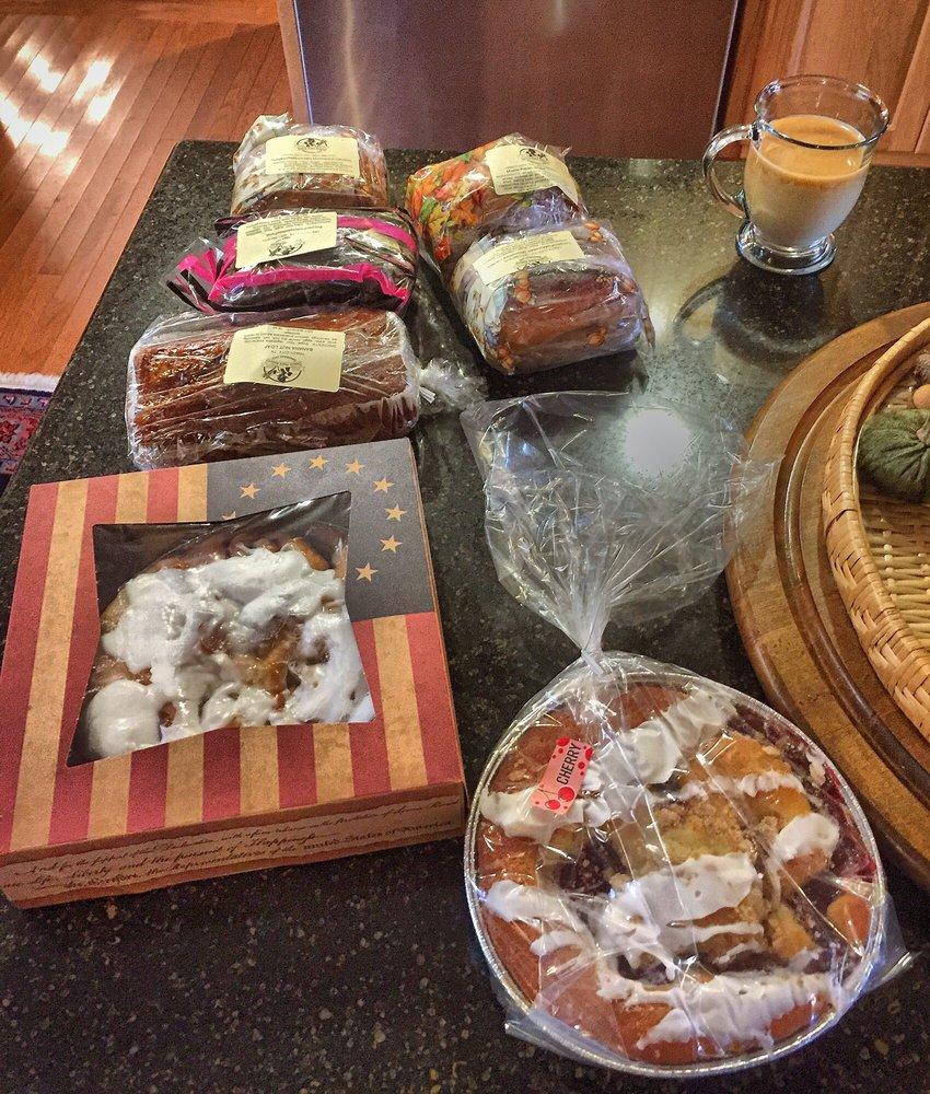 Dutch Maid Bakery & Cafe: 109 Main St, Tracy City, TN