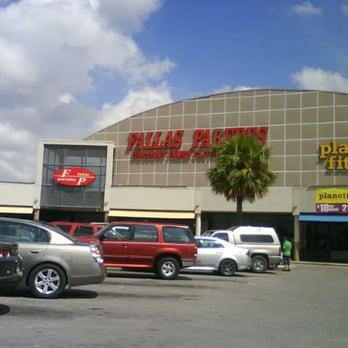 Fallas Paredes Closed Department Stores 4400
