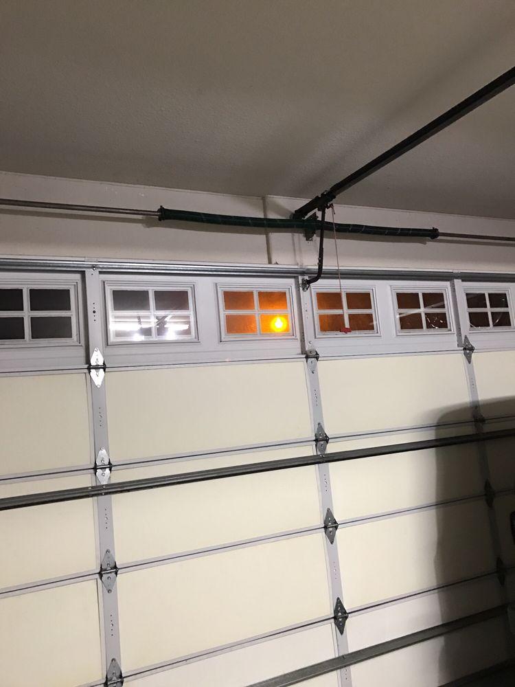 Gonzalez garage doors 42 photos garage door services for Evergreen garage doors and service
