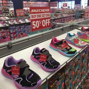SKECHERS Factory Outlet - 10 Reviews - Shoe Stores - 3030 E 9th St ... 307c3eee2e69