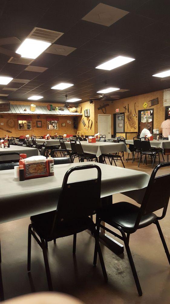 Bishop's Bbq Grill: 213 Walmart Cir, Booneville, MS