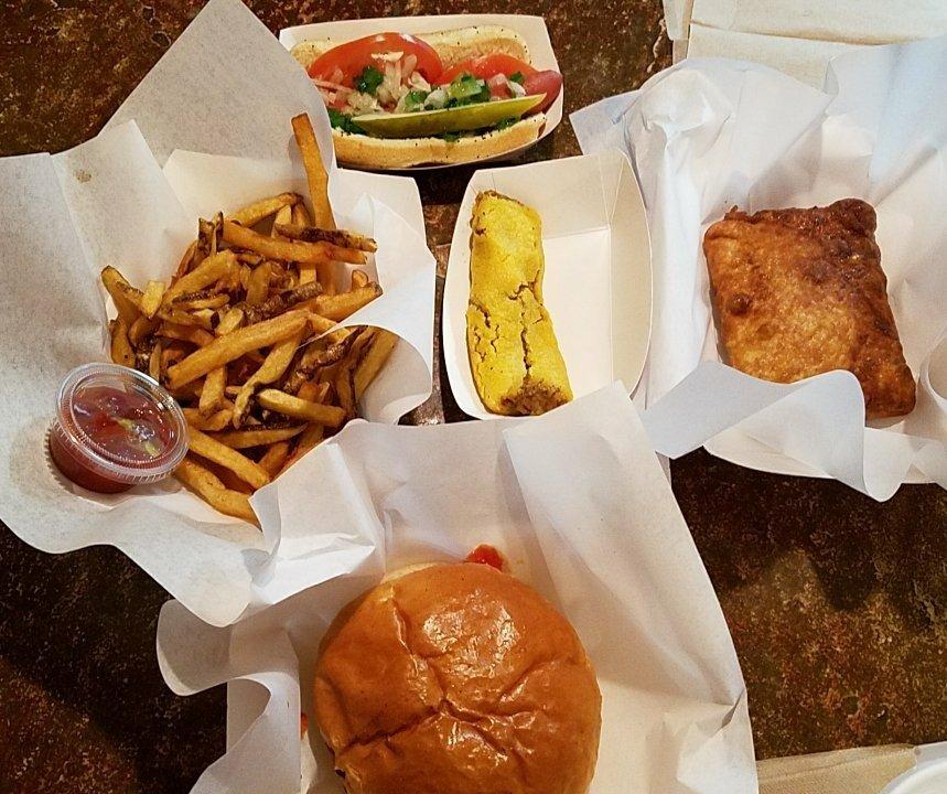 Dazzos Chicago Style Eatery: 17715 S Hwy 93, Wikieup, AZ