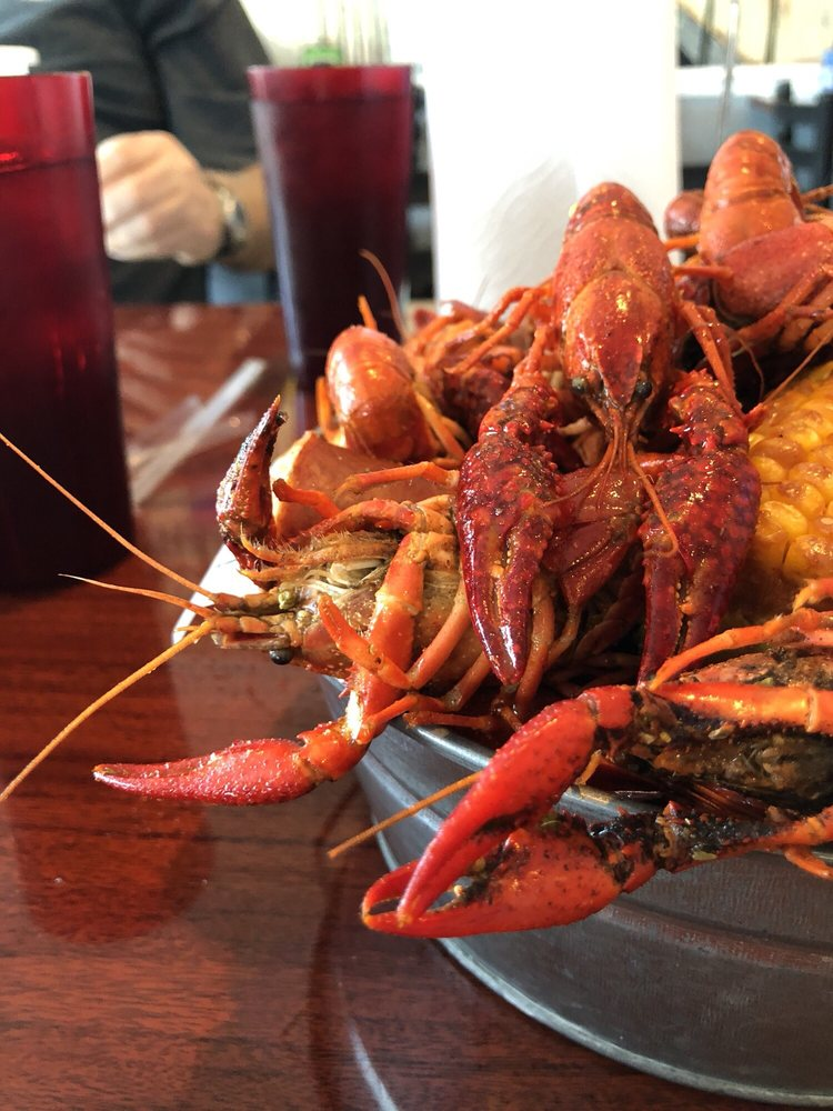 QT Crawfish Restaurant: 4418 Park Blvd, Pinellas Park, FL