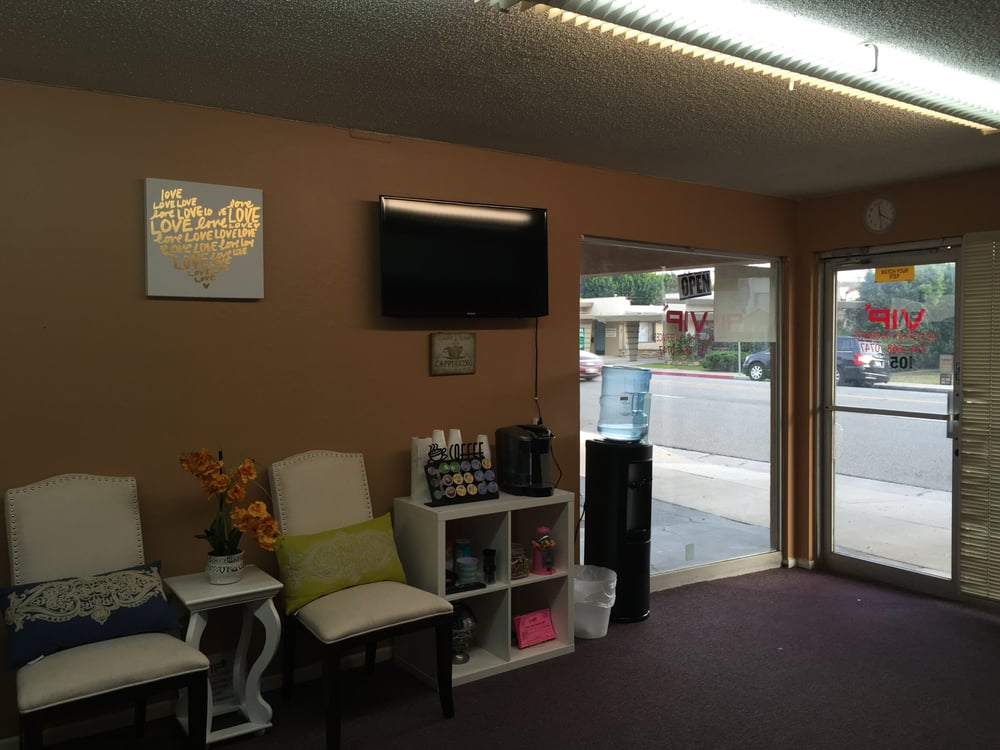 OUR COZY OFFICE- ENJOY COFFEE AND TV DURING YOUR BRIEF 10 ...