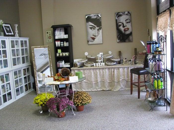 Skin renu salon day spa closed hair salons 2316 for 111 maiden lane salon