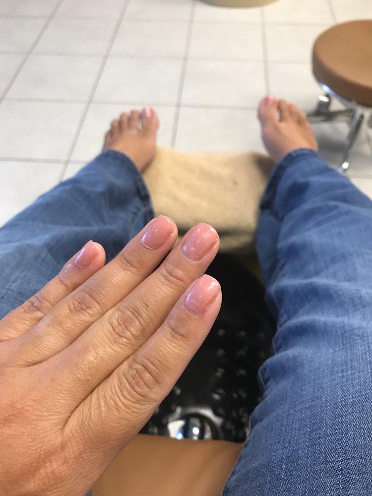 Expert Nails: 100 S Oakridge Dr, Hudson Oaks, TX