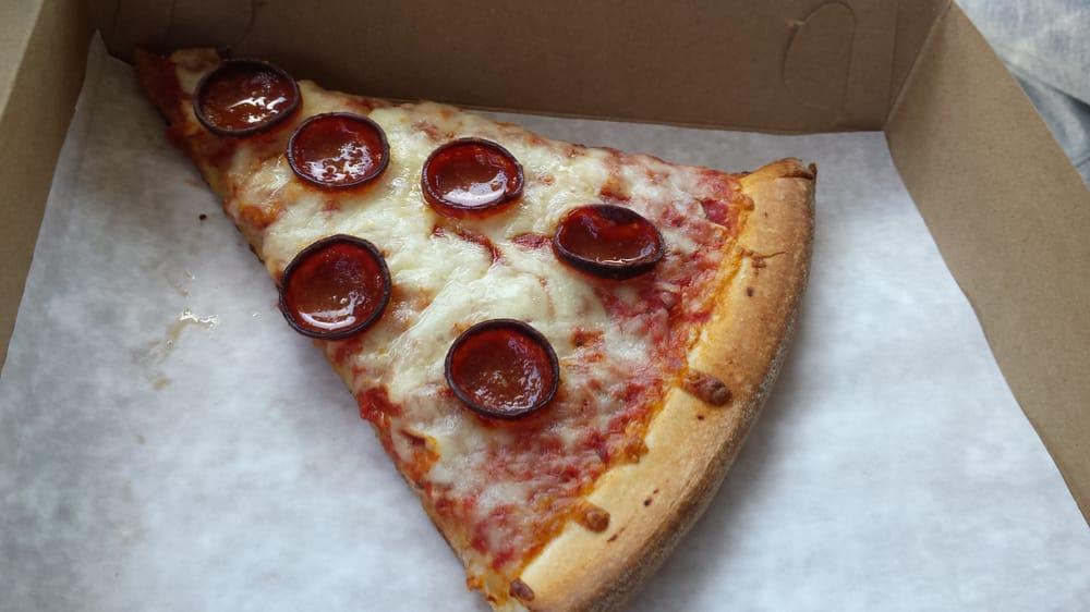 Geoffanos Pizzeria: 12501 Broadway St, Alden, NY