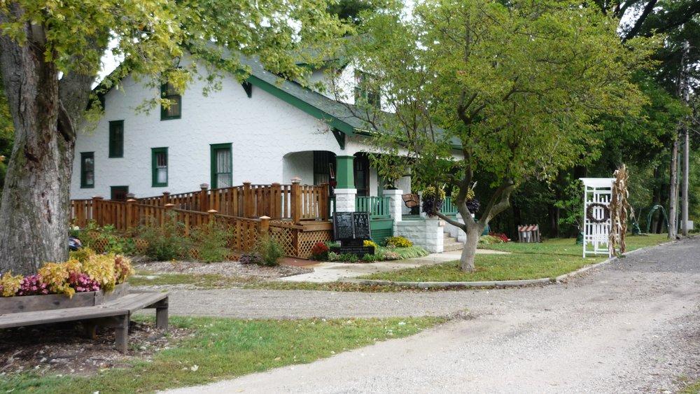 Willoughby Farm: 631 Willoughby Ln, Collinsville, IL