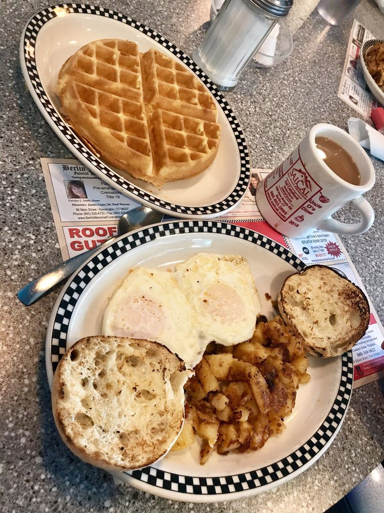 Food from Uncle D's Diner