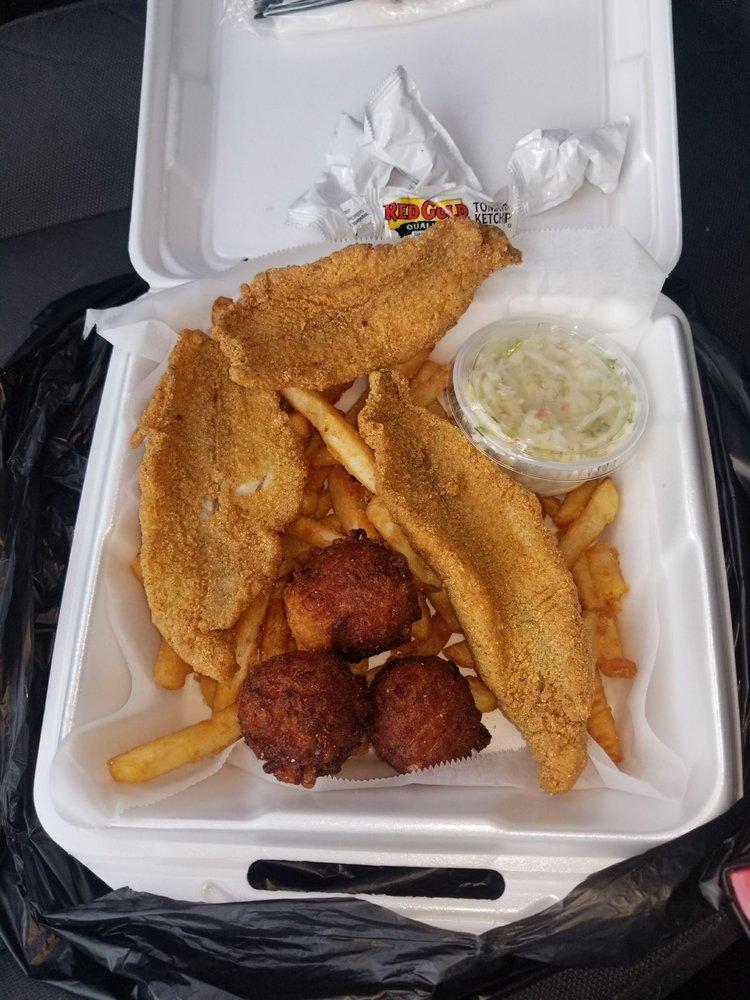 Blue Crab Grill: 604 Carroll Gartin Blvd, Laurel, MS