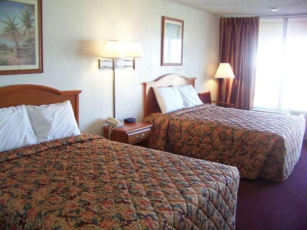 Travelers Inn & Suites: 820 S Macarthur Blvd, Oklahoma City, OK