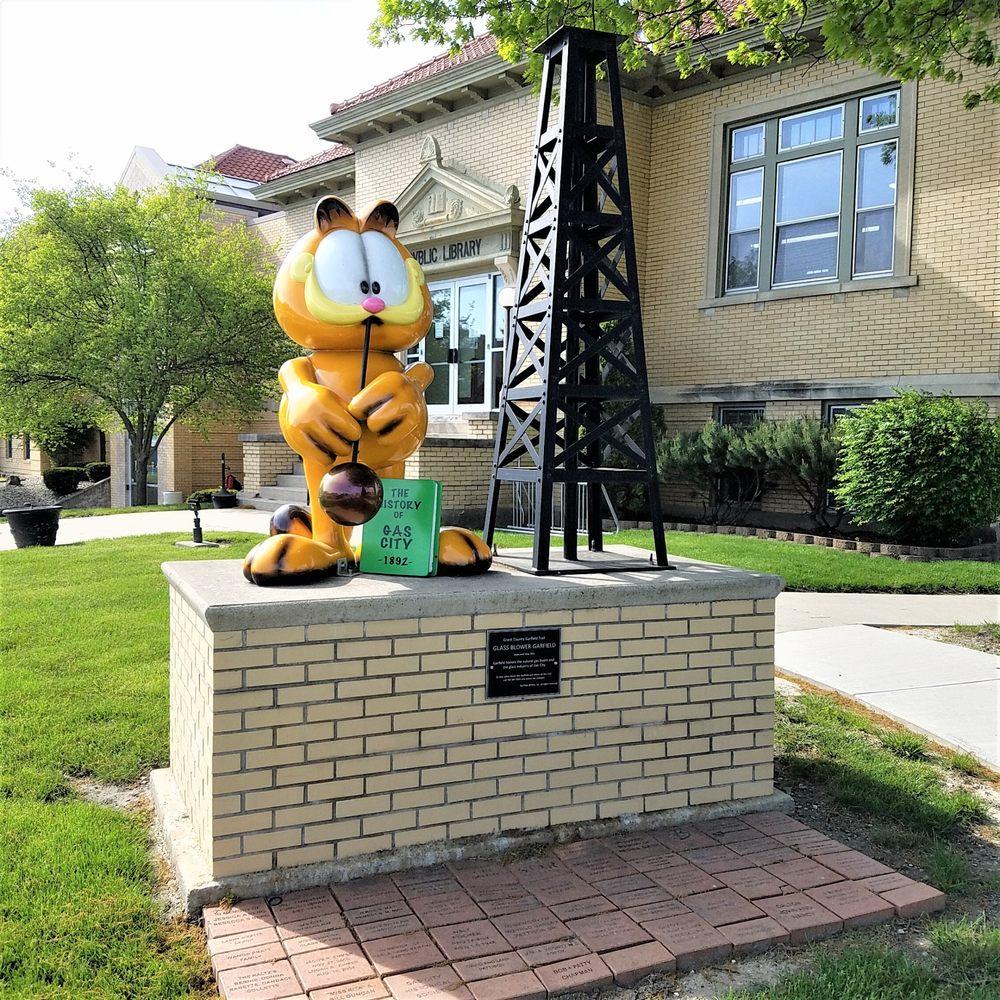 Garfield Trail -Glass Blower: 135 E Main St, Gas City, IN