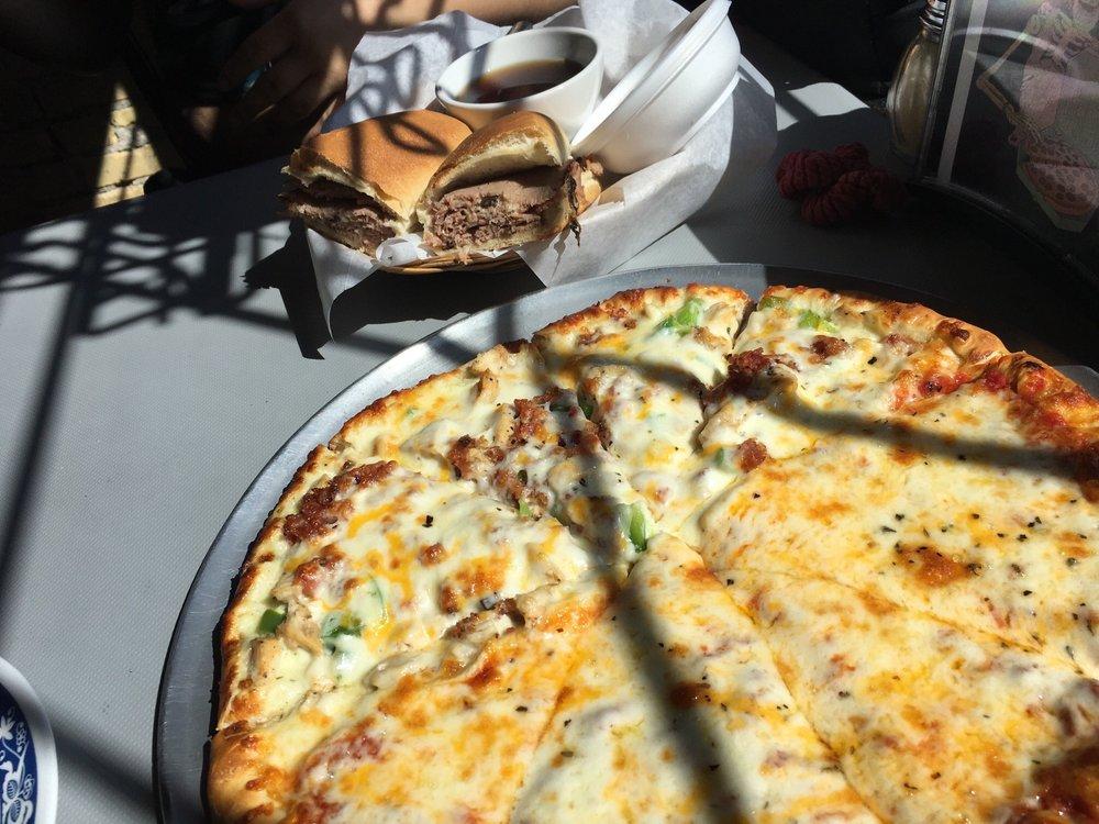 Doc's Pizza: 514 6th St, Rupert, ID