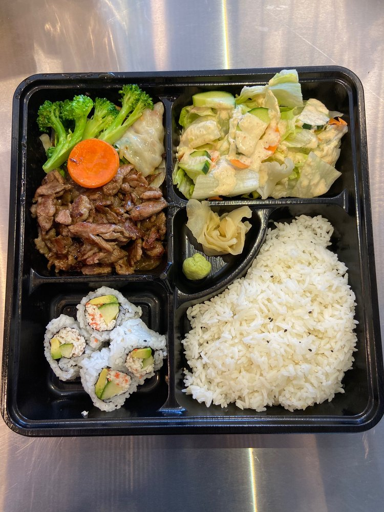 Oki Sushi and Grill: 30100 SW Boones Ferry Rd, Wilsonville, OR