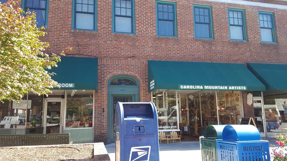 Carolina Mountain Artists Guild: 444 N Main St, Hendersonville, NC