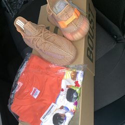 dc6a62af84c2bc TopShelf Kicks - Shoe Stores - 5 Provost Sq