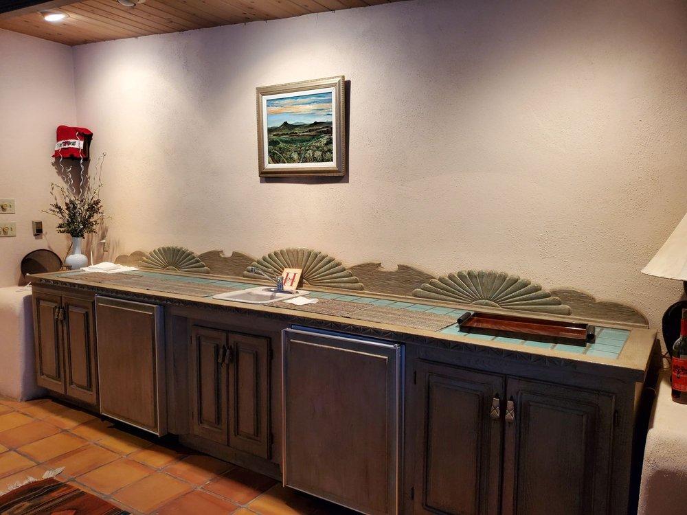Hacienda Rio Pueblo: 720 Karavas Rd, Taos, NM